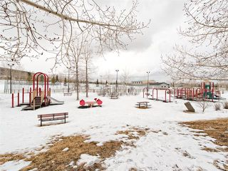 Photo 10: 128 Valley Meadow Close NW in Calgary: Valley Ridge House for sale : MLS®# C4101341