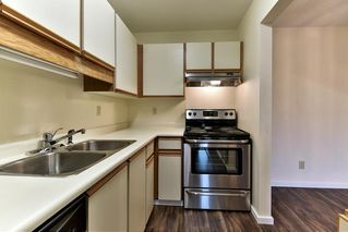 "Photo 10: 204 1460 MARTIN Street: White Rock Condo for sale in ""Capistrano"" (South Surrey White Rock)  : MLS®# R2146095"