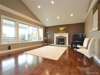 Photo 2: 2121 Quails Run in VICTORIA: La Bear Mountain Single Family Detached for sale (Langford)  : MLS®# 753114