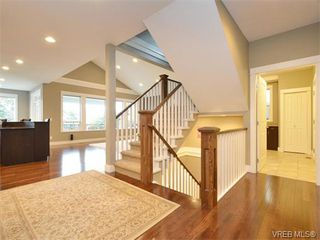 Photo 8: 2121 Quails Run in VICTORIA: La Bear Mountain Single Family Detached for sale (Langford)  : MLS®# 753114