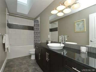 Photo 15: 2121 Quails Run in VICTORIA: La Bear Mountain Single Family Detached for sale (Langford)  : MLS®# 753114