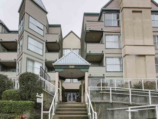 "Photo 1: 206 509 CARNARVON Street in New Westminster: Downtown NW Condo for sale in ""HILLSIDE PLACE"" : MLS®# R2150025"