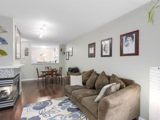 "Photo 4: 206 509 CARNARVON Street in New Westminster: Downtown NW Condo for sale in ""HILLSIDE PLACE"" : MLS®# R2150025"