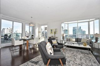 "Photo 8: 2304 1500 HOWE Street in Vancouver: Yaletown Condo for sale in ""THE DISCOVERY"" (Vancouver West)  : MLS®# R2169501"