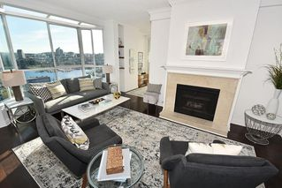 "Photo 4: 2304 1500 HOWE Street in Vancouver: Yaletown Condo for sale in ""THE DISCOVERY"" (Vancouver West)  : MLS®# R2169501"