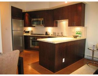 Photo 3: 705 1050 SMITHE Street in Vancouver West: Condo for sale : MLS®# V760554