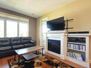 Photo 3: 406 623 Treanor Ave in VICTORIA: La Thetis Heights Condo for sale (Langford)  : MLS®# 766050