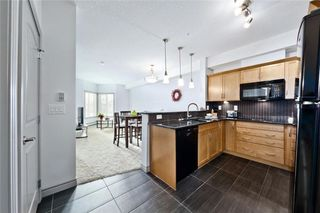 Photo 2: 215 70 Royal Oak Plaza NW in Calgary: Royal Oak Condo for sale : MLS®# C4146193