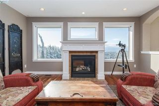 Photo 4: 3552 Sun Hills in VICTORIA: La Walfred House for sale (Langford)  : MLS®# 779766