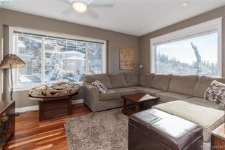 Photo 5: 3552 Sun Hills in VICTORIA: La Walfred House for sale (Langford)  : MLS®# 779766