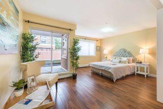 Photo 2: 102 15233 PACIFIC Avenue: White Rock Condo for sale (South Surrey White Rock)  : MLS®# R2247796