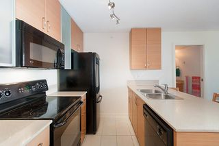 """Photo 18: 2503 977 MAINLAND Street in Vancouver: Yaletown Condo for sale in """"YALETOWN PARK III"""" (Vancouver West)  : MLS®# R2263314"""