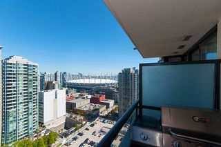 """Photo 10: 2503 977 MAINLAND Street in Vancouver: Yaletown Condo for sale in """"YALETOWN PARK III"""" (Vancouver West)  : MLS®# R2263314"""