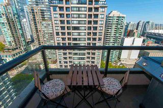 """Photo 9: 2503 977 MAINLAND Street in Vancouver: Yaletown Condo for sale in """"YALETOWN PARK III"""" (Vancouver West)  : MLS®# R2263314"""