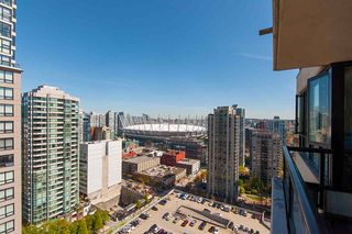 """Photo 11: 2503 977 MAINLAND Street in Vancouver: Yaletown Condo for sale in """"YALETOWN PARK III"""" (Vancouver West)  : MLS®# R2263314"""
