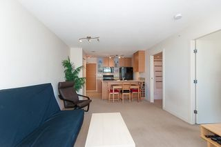 """Photo 13: 2503 977 MAINLAND Street in Vancouver: Yaletown Condo for sale in """"YALETOWN PARK III"""" (Vancouver West)  : MLS®# R2263314"""