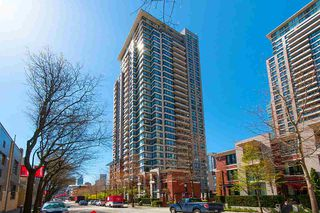 """Photo 1: 2503 977 MAINLAND Street in Vancouver: Yaletown Condo for sale in """"YALETOWN PARK III"""" (Vancouver West)  : MLS®# R2263314"""