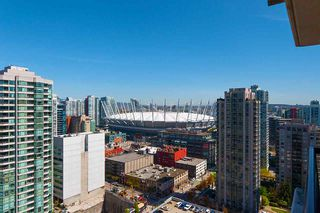"""Photo 12: 2503 977 MAINLAND Street in Vancouver: Yaletown Condo for sale in """"YALETOWN PARK III"""" (Vancouver West)  : MLS®# R2263314"""