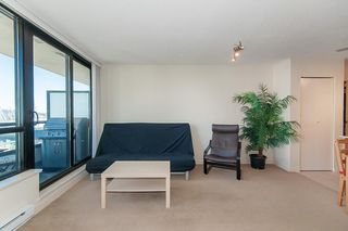 """Photo 5: 2503 977 MAINLAND Street in Vancouver: Yaletown Condo for sale in """"YALETOWN PARK III"""" (Vancouver West)  : MLS®# R2263314"""