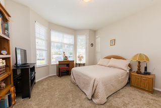 "Photo 11: 59 20770 97B Avenue in Langley: Walnut Grove Townhouse for sale in ""MUNDAY CREEK"" : MLS®# R2271523"