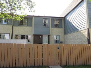 Main Photo: 40 Willowdale Place NW in Edmonton: Zone 20 Townhouse for sale : MLS®# E4112503