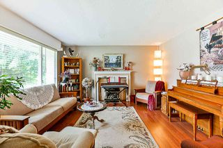 Photo 3: 15440 18 Avenue in Surrey: King George Corridor House for sale (South Surrey White Rock)  : MLS®# R2317693