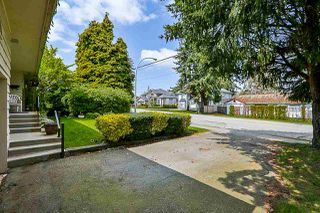 Photo 2: 15440 18 Avenue in Surrey: King George Corridor House for sale (South Surrey White Rock)  : MLS®# R2317693