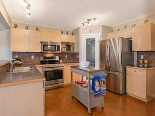 Photo 2: 138 ROYAL BIRCH Circle NW in Calgary: Royal Oak Detached for sale : MLS®# C4220192