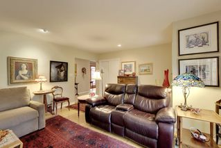 Photo 3: 15551 W OXENHAM Avenue: White Rock House for sale (South Surrey White Rock)  : MLS®# R2331238