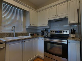 "Photo 5: 57 9025 216 Street in Langley: Walnut Grove Townhouse for sale in ""Coventry Woods"" : MLS®# R2330566"