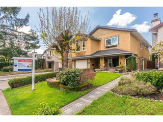 Photo 2: 6047 195A Street in Surrey: Cloverdale BC House for sale (Cloverdale)  : MLS®# R2356474