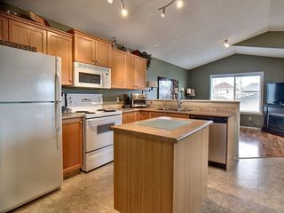 Photo 5: 14032 151 Avenue in Edmonton: Zone 27 House for sale : MLS®# E4153386