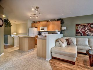 Photo 4: 14032 151 Avenue in Edmonton: Zone 27 House for sale : MLS®# E4153386