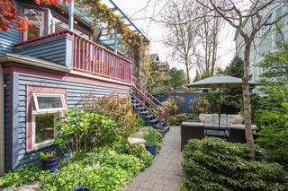 Photo 18: 718 W 14TH Avenue in Vancouver: Fairview VW Townhouse for sale (Vancouver West)  : MLS®# R2363725