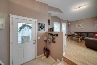 Photo 3: 11332 96 Street in Edmonton: Zone 05 House for sale : MLS®# E4158489