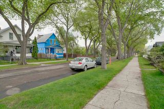Photo 2: 11332 96 Street in Edmonton: Zone 05 House for sale : MLS®# E4158489