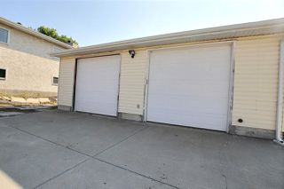 Photo 2: 5819 11 Avenue in Edmonton: Zone 29 House for sale : MLS®# E4159082