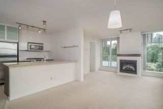 "Photo 3: 706 2289 YUKON Crescent in Burnaby: Brentwood Park Condo for sale in ""Watercolours"" (Burnaby North)  : MLS®# R2387489"