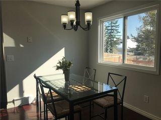Photo 2: 23 EDGEBURN Crescent NW in Calgary: Edgemont Detached for sale : MLS®# C4271011