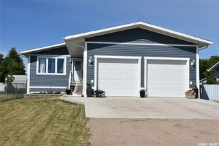 Photo 1: 586 Okaneese Avenue in Fort Qu'Appelle: Residential for sale : MLS®# SK814266
