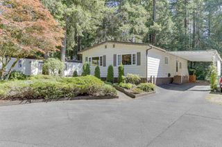 """Photo 3: 18 2306 198 Street in Langley: Brookswood Langley Manufactured Home for sale in """"Cedar Lane"""" : MLS®# R2481487"""