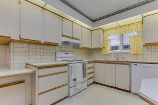 """Photo 14: 18 2306 198 Street in Langley: Brookswood Langley Manufactured Home for sale in """"Cedar Lane"""" : MLS®# R2481487"""