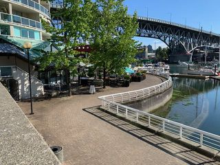 """Photo 27: 406 1250 BURNABY Street in Vancouver: West End VW Condo for sale in """"THE HORIZON"""" (Vancouver West)  : MLS®# R2500551"""