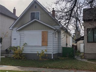 Photo 1: 888 Alfred Avenue in Winnipeg: North End Residential for sale (4A)  : MLS®# 202026136
