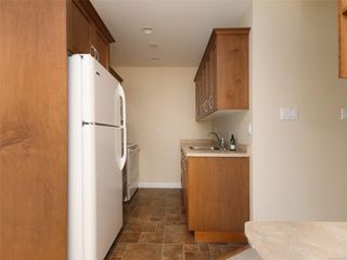 Photo 10: 318 3225 Eldon Pl in : SW Rudd Park Condo for sale (Saanich West)  : MLS®# 861855