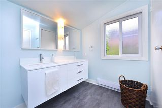 Photo 33: 1834 Stanley Ave in : Vi Fernwood Full Duplex for sale (Victoria)  : MLS®# 862791