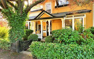 Photo 2: 1834 Stanley Ave in : Vi Fernwood Full Duplex for sale (Victoria)  : MLS®# 862791