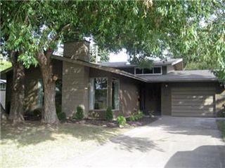 Main Photo: 30 Simpson Crescent in Saskatoon: Greystone Heights Single Family Dwelling for sale (Saskatoon Area 02)  : MLS®# 412637