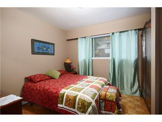 "Photo 7: 2237 HYANNIS Drive in North Vancouver: Blueridge NV House for sale in ""BLUERIDGE"" : MLS®# V1030000"