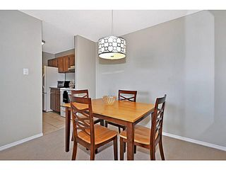 Photo 7: 406 550 WESTWOOD Drive SW in CALGARY: Westgate Condo for sale (Calgary)  : MLS®# C3605225